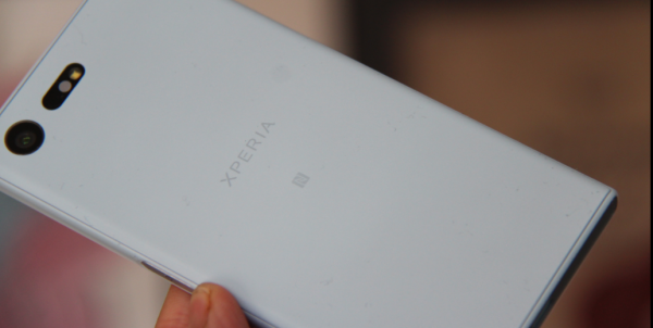 sony xperia x compact test pris